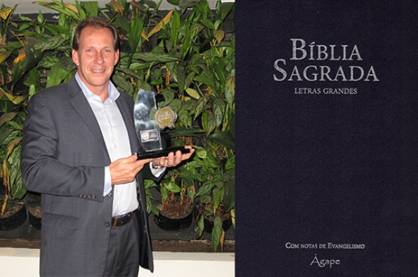 Edward Lange, presidente & CEO da Brasil Insurance, diretor Executivo da Allianz Seguros, indica a leitura da B�blia